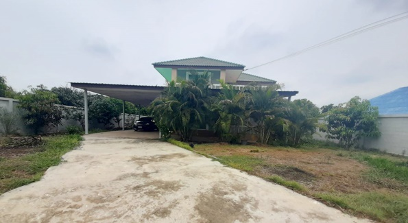 For SaleHousePhutthamonthon, Salaya : House for sale in Nakhon Chai Si, Soi Wat Samrong, Nakhon Pathom Province, near Luang Pho Pao Home for Elderly, Sampathuan Subdistrict, Nakhon Chai Si District, Nakhon Pathom Province, area of 166 Sq.