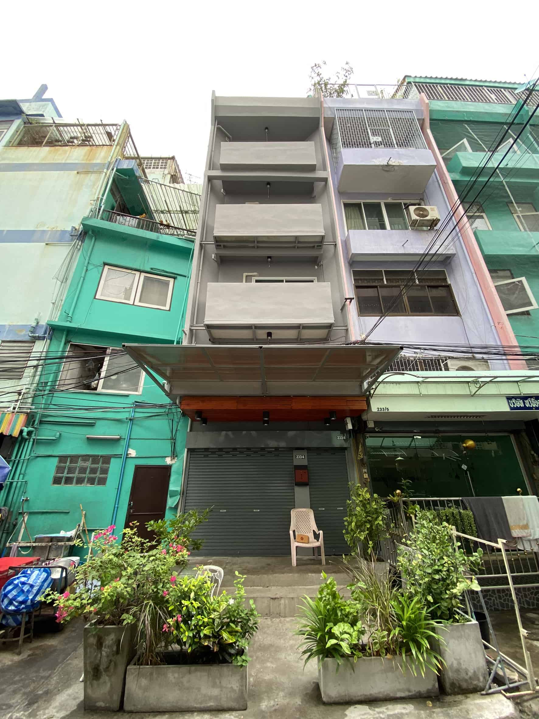 For SaleShophouseOnnut, Udomsuk : Sell a commercial building opposite Big C Onnut (Sukhumvit 77), then renovated, able to immediately make use of