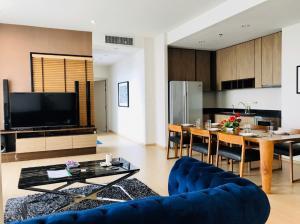 For RentCondoRama9, RCA, Petchaburi : Condo for rent The Capital Ekamai-Thonglor 200 sq.m., whole 6th floor, fully-furnished