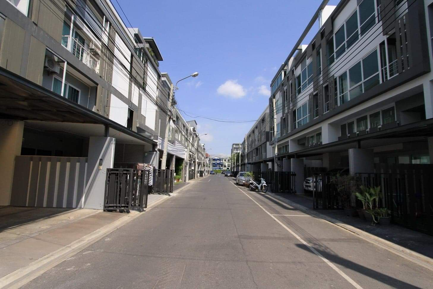 For SaleTownhouseLadprao101, The Mall Bang Kapi : 📣Special Price !!! Townhome for Sale Space Ladprao 80 - Mengjai 📌3Beds 3Baths with jacuzzi / 3Storey / 330 Sq.m.