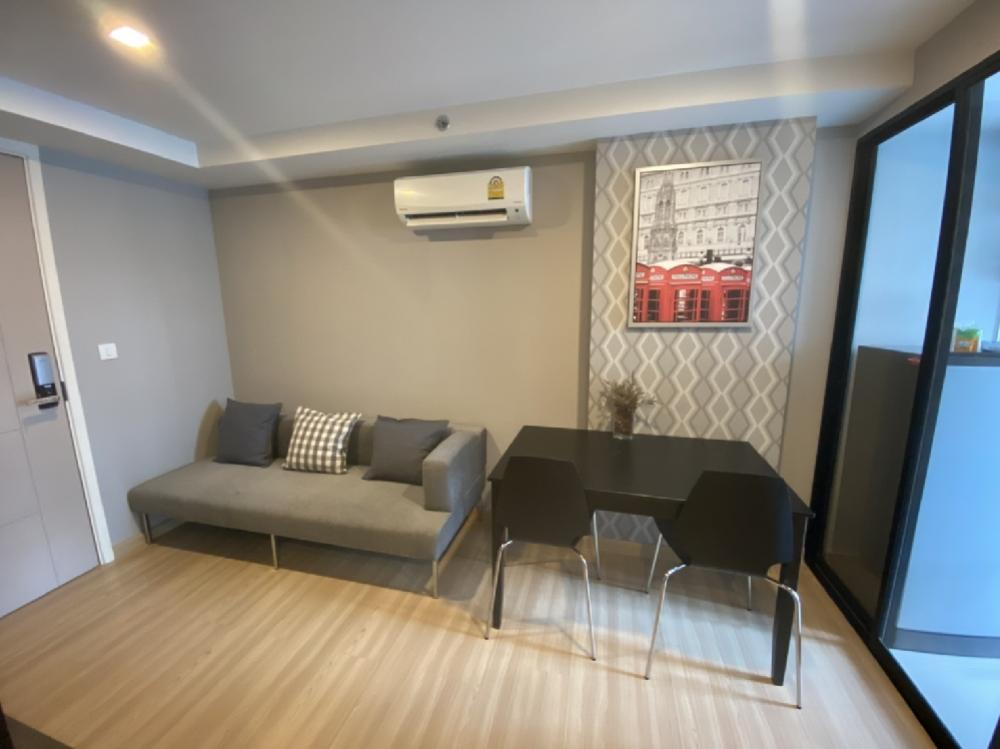 For RentCondoVipawadee, Don Mueang, Lak Si : ไน Condo for rent, Knightsbridge, Sky City, New Saphan, next to BTS stairs, near Bhumibol Hospital สวย Beautifully decorated room with just one bag 👜 Can stay in 🎉🎉