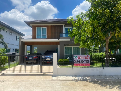 For SaleHouseSamrong, Samut Prakan : Detached house, Prueklada Village Pracha Uthit 90, Phra Samut Chedi The house is in good condition.