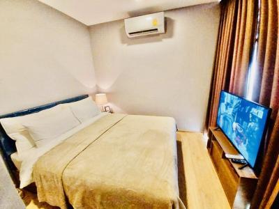 For RentCondoSukhumvit, Asoke, Thonglor : Condo for Rent Taka Haus Ekamai 12 size 64.76 sqm 2 bed 2 bath corner room and next to the pool BTS Ekamai