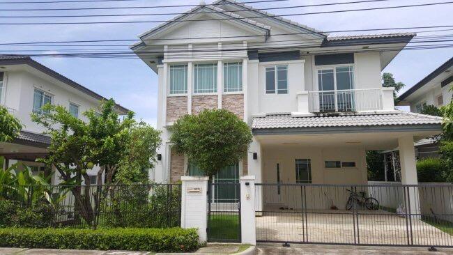 ขายบ้านเสรีไทย-นิด้า : ขายโครงการหมู่บ้านมัณฑนา (อ่อนนุช-วงแหวน 3) ราคา 7,800,000บาท บ้านเดี่ยว 2 ชั้น  3 ห้องนอน 3 ห้องน้ำ 66.4 ตรว.