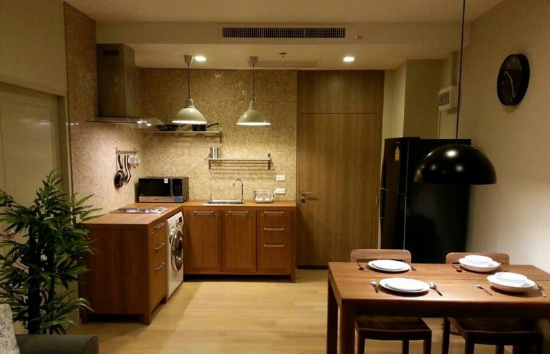 For SaleCondoSukhumvit, Asoke, Thonglor : HOT sell cheap 2 bedroom with tenant noble noble project, prime location, convenient transportation, only 2 hundred meters to Ekkamai BTS