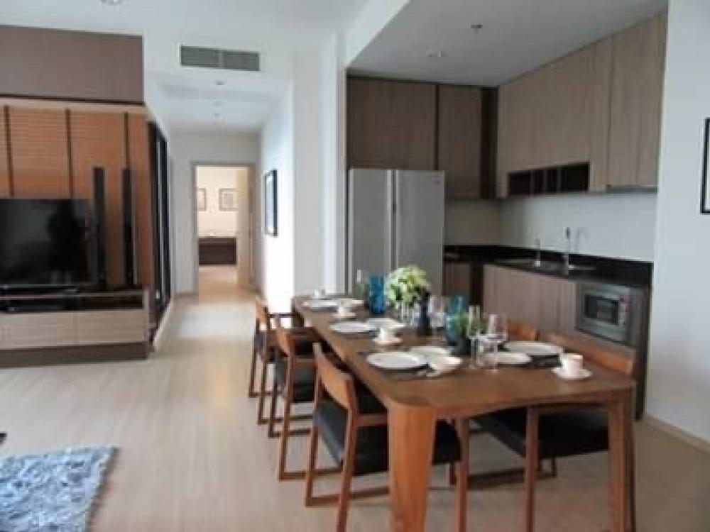 For RentCondoRama9, RCA, Petchaburi : For rent, The capital Ekamai, size 200 square meter, 3 bed 4 bath, only 130,000 baht. Price can be negotiated
