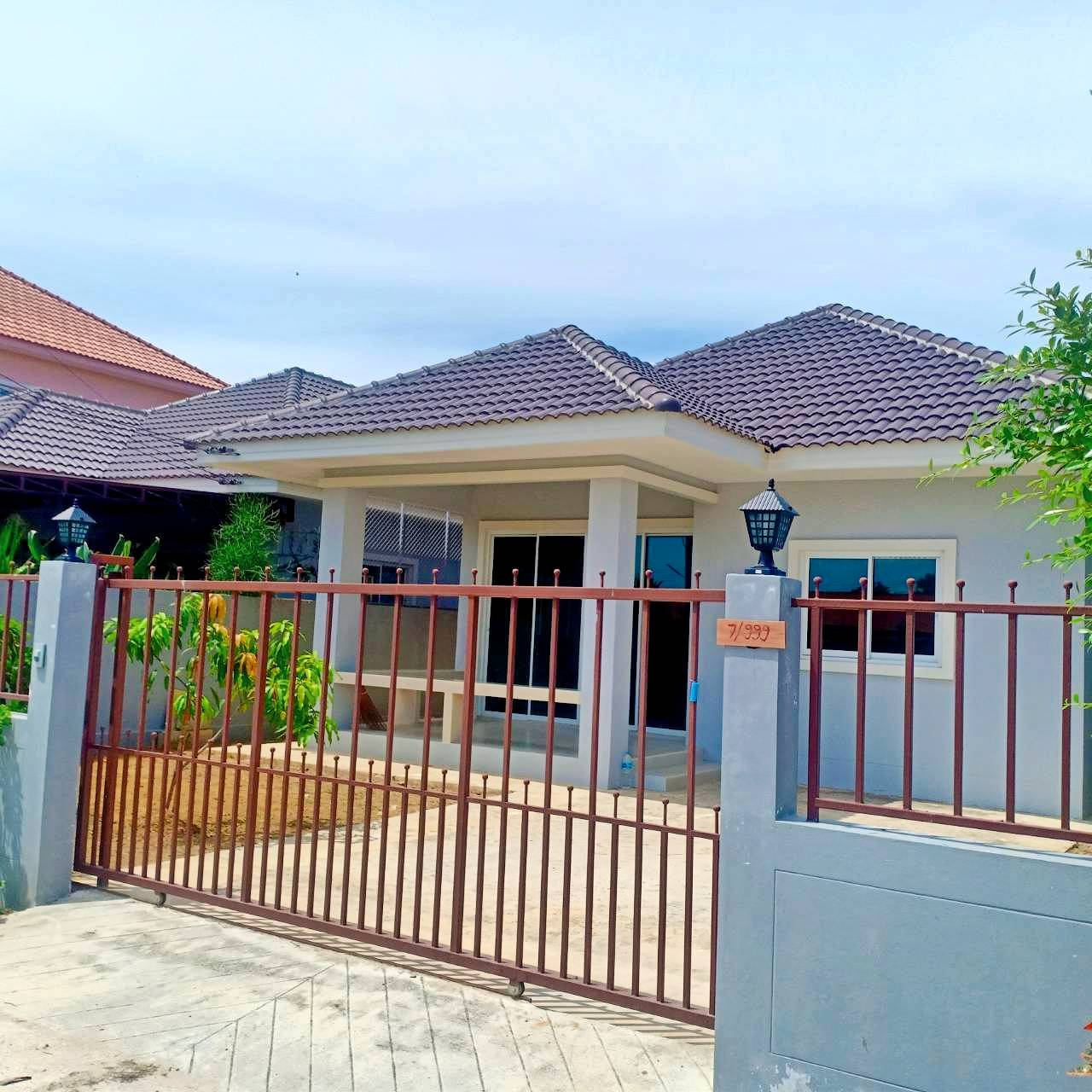 For SaleHouseCha am, Hua Hin : Cheap sale house for sale 50 square meters 1.69 million baht ️ ️ near Thanarat camp just 2 km‼ ️ the price is higher than the appraised value