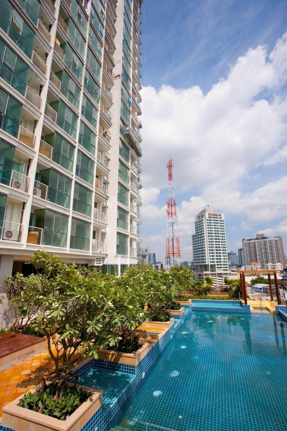 For SaleCondoOnnut, Udomsuk : Sell ​​Le Luk Condo, Le Luk Condominium, Sukhumvit 69Condo near Bts Phra Khanong, only 150 meters, 1 bedroom, 1 bathroom Next to Phra Khanong BTS. Great location. Floor 25, Floor 26, size 33 sqm.