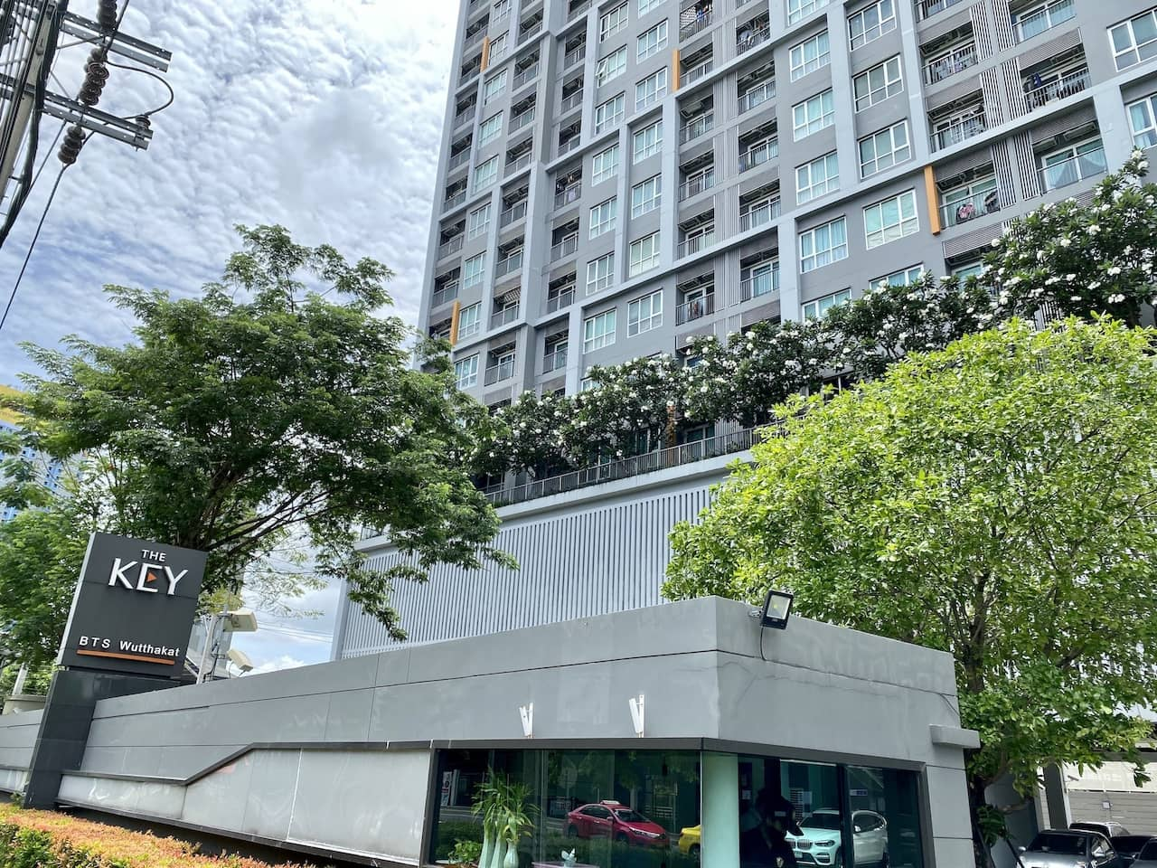 For SaleCondoThaphra, Wutthakat : Sell very cheap The Key BTS Wutthakat condo next to BTS room near the garden