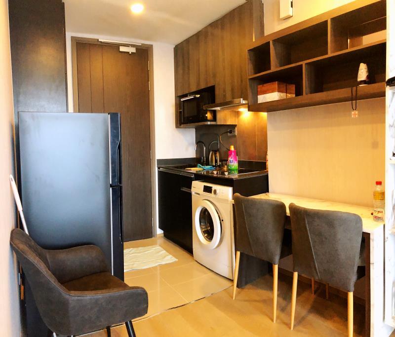 เช่าคอนโดสยาม จุฬา สามย่าน : 📸👀🔥1080p room video/34sqm enjoy nice breeze while work or study from home/rent by owner/1 min to MRT Sam Yam + BTS Sala Daeng/Starbucks in Lobby+ Chulalongkorn University