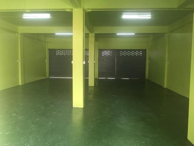เช่าตึกแถว อาคารพาณิชย์พัฒนาการ ศรีนครินทร์ : ให้เช่าตึกแถว 2 คูหารีโนเวทใหม่ ห้องมุม ใกล้BTSสีแยกพัฒนาการ