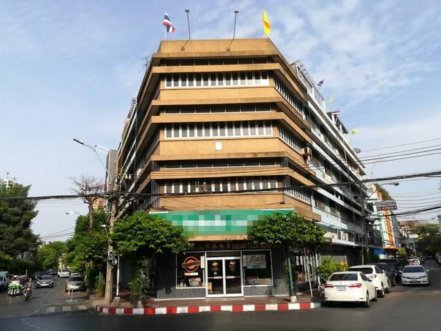 For RentShophousePha Nakorn, Yaowarat : 4.5 storey commercial building for rent near Yauarat district, near MRT Hua Lamphong, MRT, Dragon Temple, Chinatown, Ode Circle