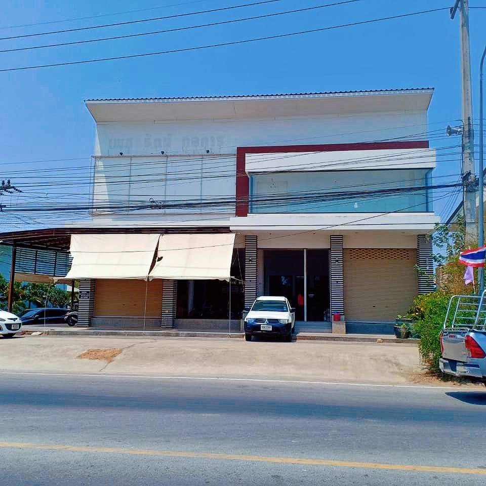 For SaleShophouseHua Hin, Prachuap Khiri Khan, Pran Buri : Building, 2 storey commercial building, 4 booths, perfect location, open for business 2 public roads on the Pak Nam Pranburi side