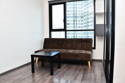 เช่าคอนโดอ่อนนุช อุดมสุข : ห้องมุมวิวสวย หน้าต่างกระจกบานใหญ่รอบด้านอากาศถ่ายเทดีเวอร์