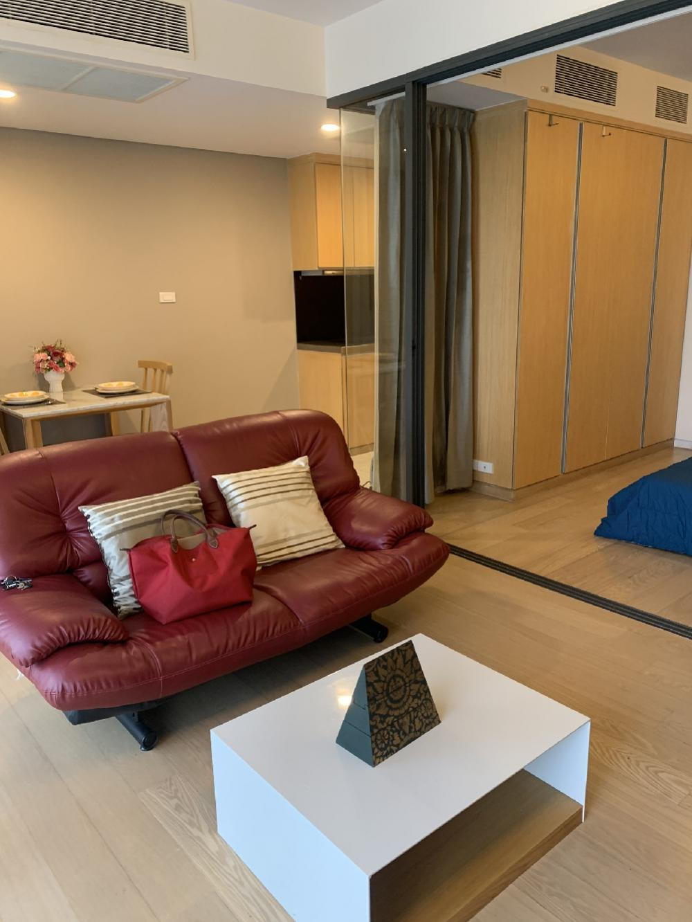 For SaleCondoSukhumvit, Asoke, Thonglor : Hot sale !! Siamese Gioia condo, Sukhumvit 31 near Fuji supermarket, beautiful room with fully furnished + electric appliances, special price at only 5.20 million baht.