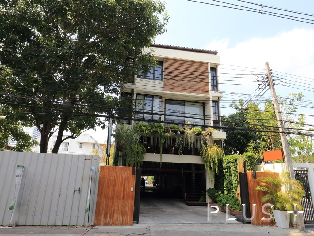 For SaleHouseRama3 (Riverside),Satupadit : 4-story townhome house for sale in Nang Linchi, either by yourself or business