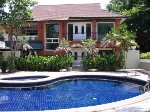 เช่าทาวน์เฮ้าส์/ทาวน์โฮมสุขุมวิท อโศก ทองหล่อ : พร้อมเช่าบ้านเอกมัย มีสระว่ายน้ำ