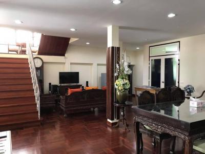 For RentHouseRatchathewi,Phayathai : House for rent 2.5 Ari district floor Usable area 500 sq m, near BTS Ari Soi Ari Samphan 3