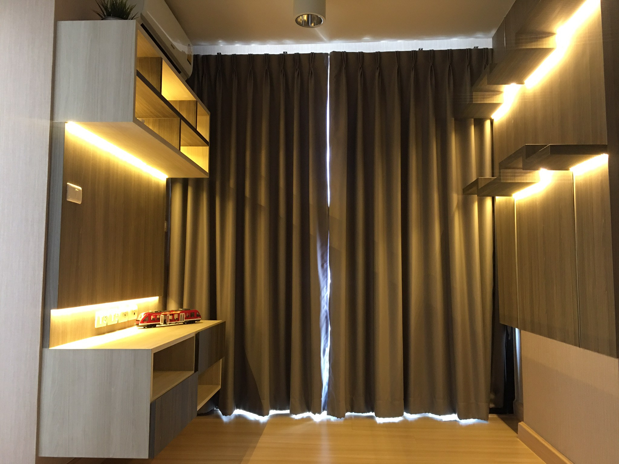 For SaleCondoKasetsart, Ratchayothin : Sell Chateau In Town Phahonyothin 32 size 30 sqm. 1 bedroom, only 1.9 MB. Tel. 08-9928-9515
