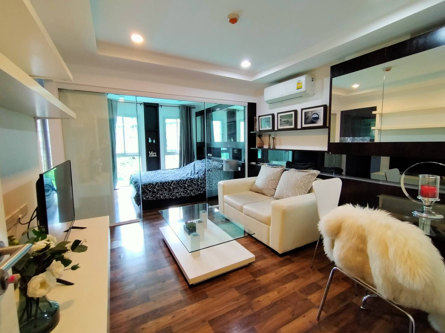 For RentCondoNawamin, Ramindra : Condo for rent at Parc Exo, Park Exo Kaset-Nawamin, Building E, swimming pool view Nice room, ready to move in