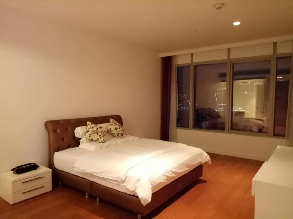 For RentCondoWitthayu,Ploenchit  ,Langsuan : 185 Rajadamri 2 bed