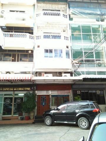 For RentShophouseSukhumvit, Asoke, Thonglor : Commercial building for rent, Soi Sukhumvit 16, near BTS Asoke, near MRT Sukhumvit