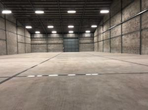 For RentWarehouseBangna, Lasalle, Bearing : Warehouse for rent, Bangna warehouse, 800 square meters, Bangna, 11.5 kilometers. On the main road, convenient transportation, very good location, big trailers to enter and exit all types.