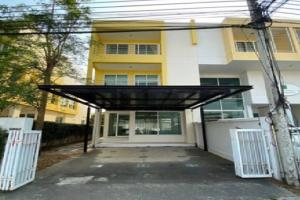 For RentTownhouseLadkrabang, Suwannaphum Airport : Townhome for rent, 3-storey townhome, D-One Village, D-One Townhome, Soi On Nut 74/1, suitable as a company registered office.