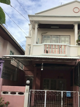 For RentTownhouseLadprao101, The Mall Bang Kapi : For rent 2 storey townhouse near the expressway, Ladprao 101 road.