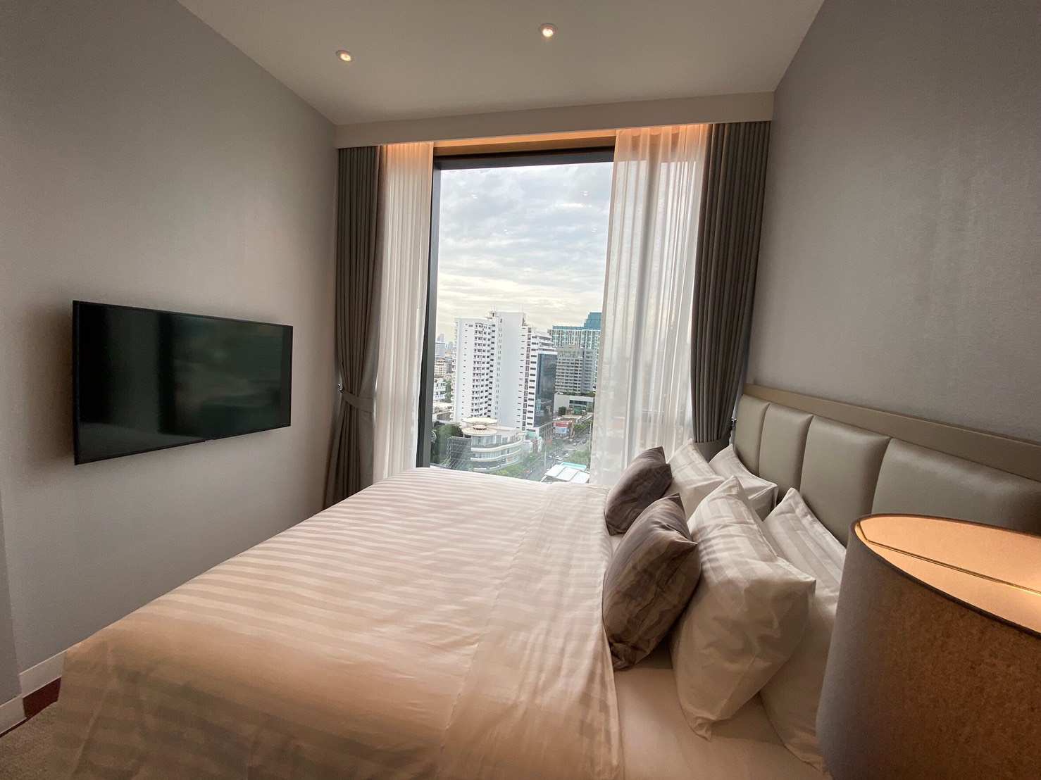 For RentCondoSukhumvit, Asoke, Thonglor : KHUN BY YOO good price for rent in the heart of Thonglor (full 100% commission charge, the agent hurriedly release it)