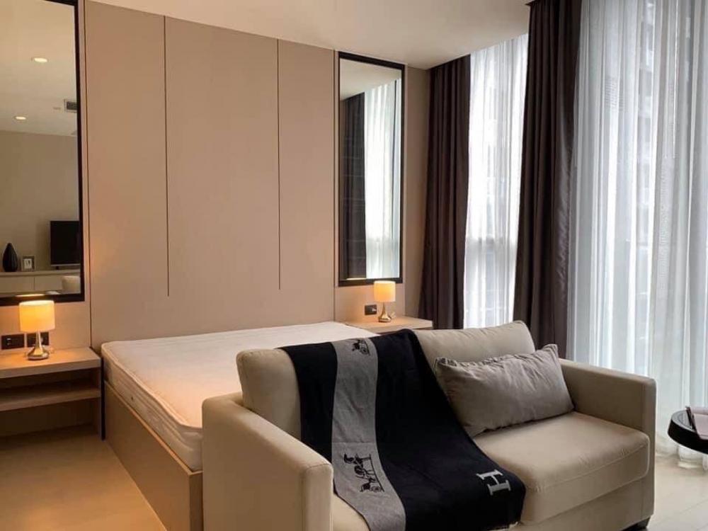 For RentCondoWitthayu,Ploenchit  ,Langsuan : Condo for rent :  Noble ploenchit  Type  :  : 1  bedroom 1 bathroom Size  :  45 sq.m  Floor  : 36 Rent Price 45,000 Baht/Month