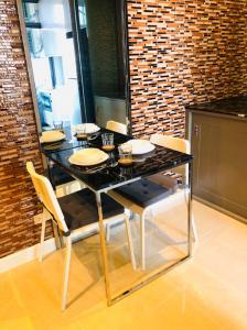 For RentCondoOnnut, Udomsuk : High rise condominium in Sukhumvit 50, 1 bed room 15,000 b/m.