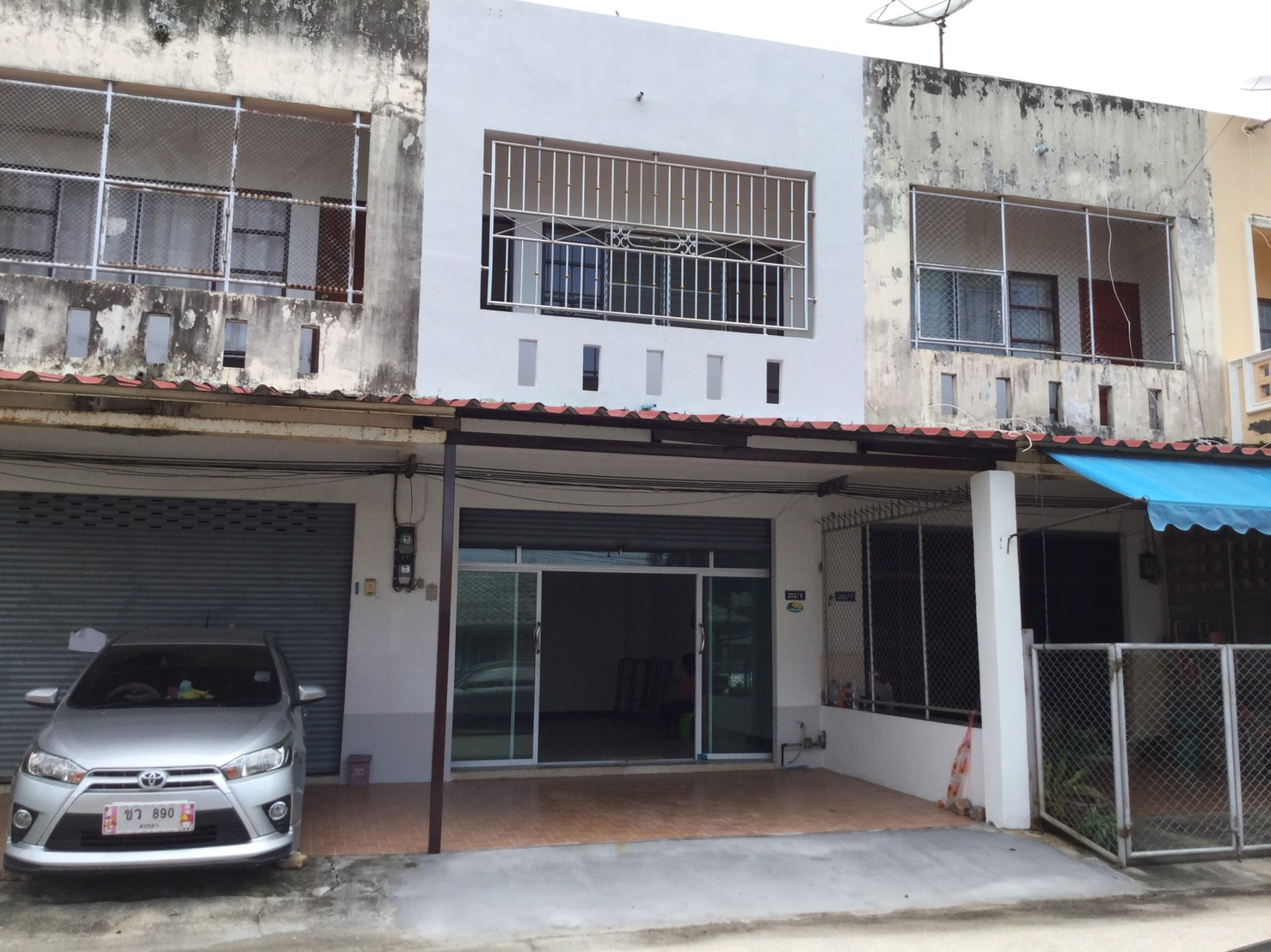 For SaleShophouseSongkhla : === 2 storey commercial building for sale with a roof opposite the Namkraj School, Songkhla ===