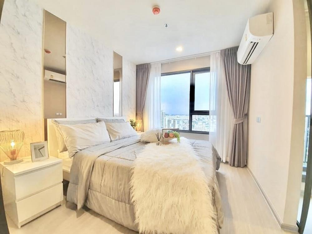 For RentCondoLadprao, Central Ladprao : Condo Life Ladprao for rent, Life Ladprao, opposite Horwang School And Central Ladprao, very large room, size 35 sqm., Floor 22, Building B, very beautiful view, not Block