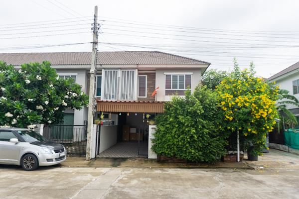For SaleTownhouseNawamin, Ramindra : Townhome for sale, after the rim of 27 sq. Wah Pruksa Ville 55/1 Wongwaen-Ramindra, 2 floors, 3 bedrooms, 2 bathrooms, fully furnished.