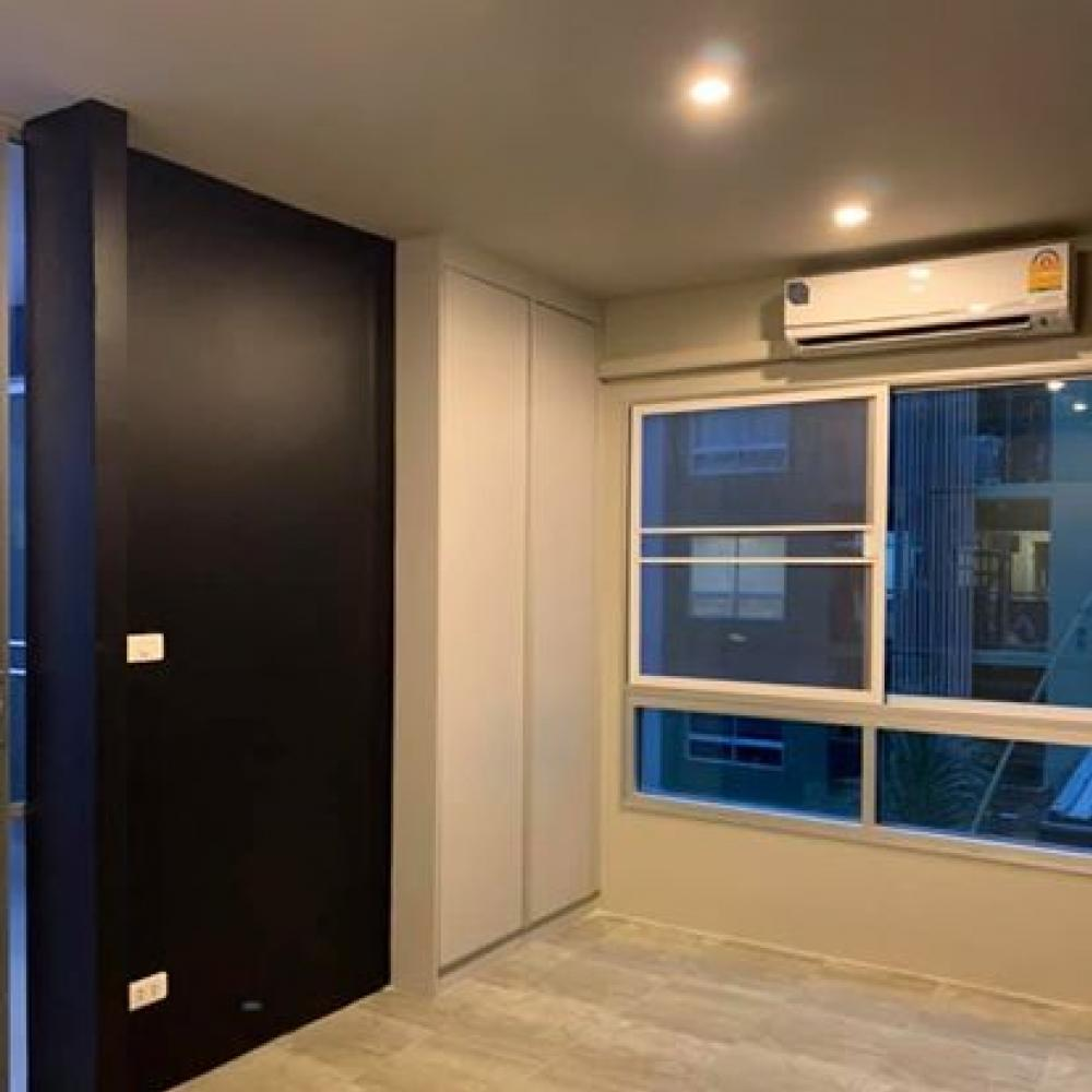 For SaleCondoLadkrabang, Suwannaphum Airport : Sell V condo, Lat Krabang, Phase A, 1 BR room, 23 sqm, new room, very nice decorations, Fully fitted