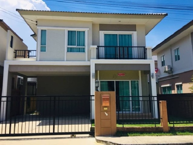 For RentHouseSamrong, Samut Prakan : Single house for rent, 2 story house, Passorn Pride Village, Srinakarin-Nam Daeng, Beautiful house, fully furnished, 4 air conditioners, very beautiful house, can live small animals.