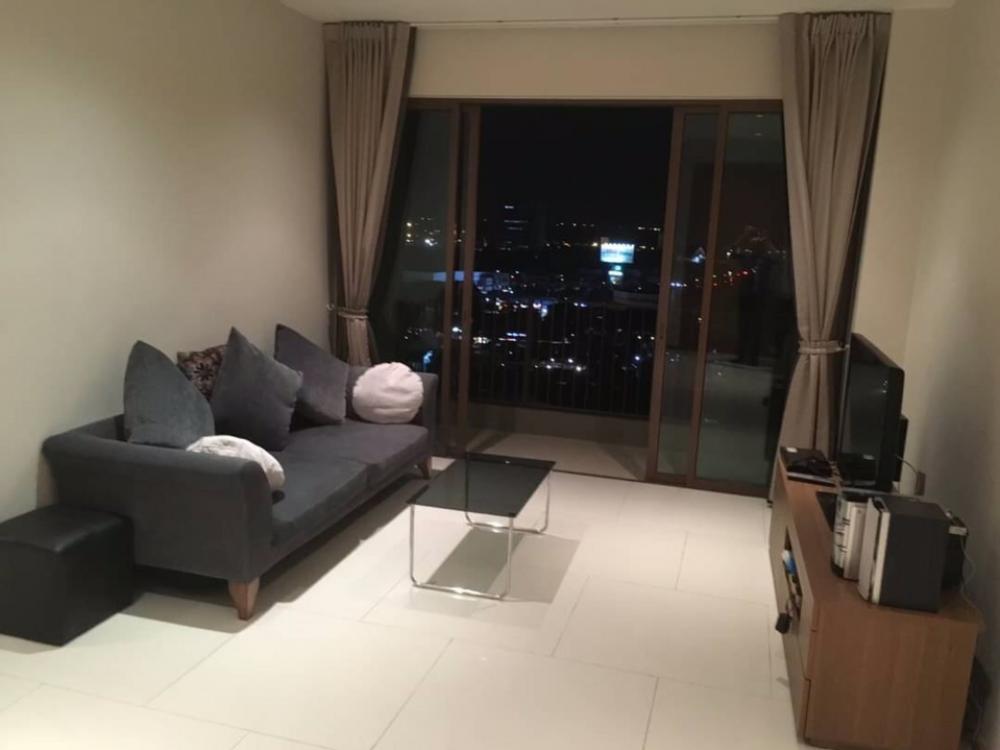 For RentCondoSukhumvit, Asoke, Thonglor : Condo for rent : The Emporio place Type :  1  bedroom 1 bathroom Size  : 65 sq.m  Floor  : 15 Rent Price  40,000 Baht/Month