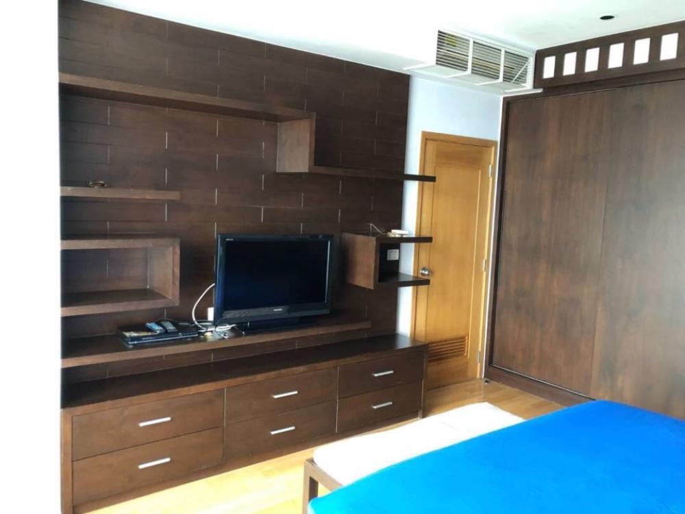 For RentCondoSukhumvit, Asoke, Thonglor : Condo for rent : The Emporio place Type :  1  bedroom 1 bathroom Size  : 65 sq.m  Floor  : 6 Rent Price  45,000 Baht/Month