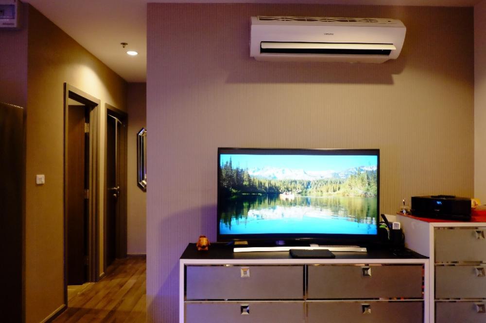 For SaleCondoOnnut, Udomsuk : Sell The Base Park West 2 bed, Corner room, 10th floor, 53 sq.m.