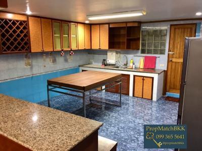ขายบ้านเลียบทางด่วนรามอินทรา : ขาย บ้านเดี่ยว พื้นที่ใหญ่เป้ง 102 ตารางวา ราคาเบาๆ