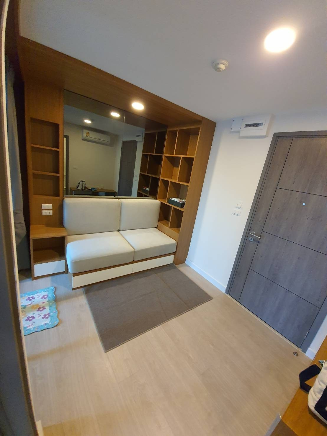 For RentCondoRatchadapisek, Huaikwang, Suttisan : For Rent Metro Luxe Rosegold Phahol - Sutthisan Floor Unit 8/25