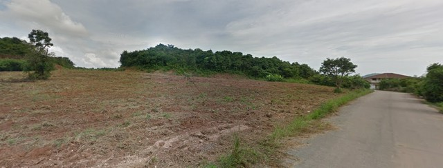 For SaleLandPattaya, Bangsaen, Chonburi : Land for sale next to the hill, near U-Tapao Airport, Plutaluang Subdistrict, Sattahip, only 400 meters from Tetsaban Road 99, area 10 rai 1 ngan, price 41 million baht.