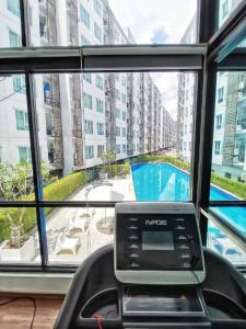 For SaleCondoRattanathibet, Sanambinna : Condo Regent Home 25 Tiwanon, 5th floor, near mrt, Ministry of Public Health, 180 meters, convenient transportation, large room, 2 bedrooms, size 64.22 square meters, near Central Rattanathibet,