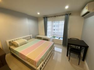 For RentCondoRamkhamhaeng,Min Buri, Romklao : For Rent The Hub Ramkhamhaeng 166 Furniture & Appliances