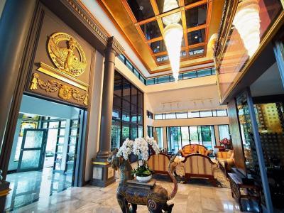 For SaleHouseChengwatana, Muangthong : Quick sale luxury mansion on Tiwanon Road, behind Muang Thong area of nearly three rai