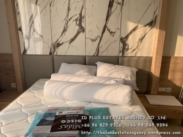 เช่าคอนโดพระราม 9 เพชรบุรีตัดใหม่ : Life Asoke Condo for rent : 1 bedroom for 35 sqm. On 11st floor. With fully furnished and electrical appliances. Just 1 step to MRT Phetchaburi , 140 m. to BTS Asoke , 500 m. to ARL Makkasan. Discount rental only for 18,