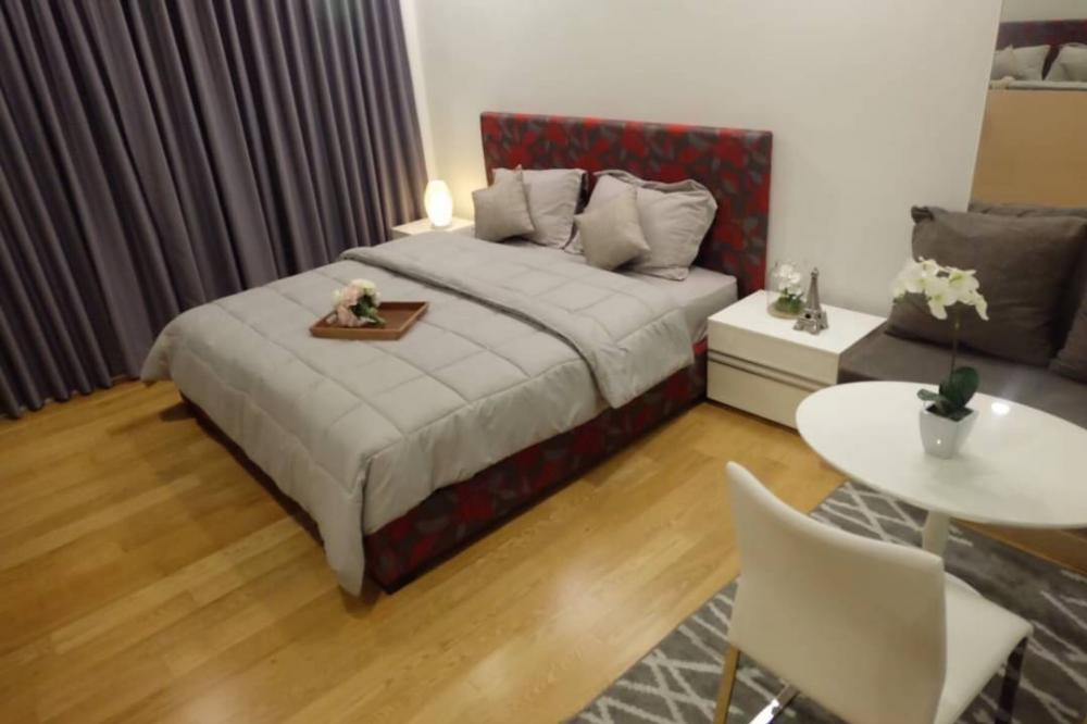 For RentCondoNana, North Nana,Sukhumvit13, Soi Nana : Condo for rent :  15 Sukhumvit Residents Type  :  1  bedroom 1 bathroom Size  :  35 sq.m  Floor  : 7 Rent Price 15,000 Baht/Month