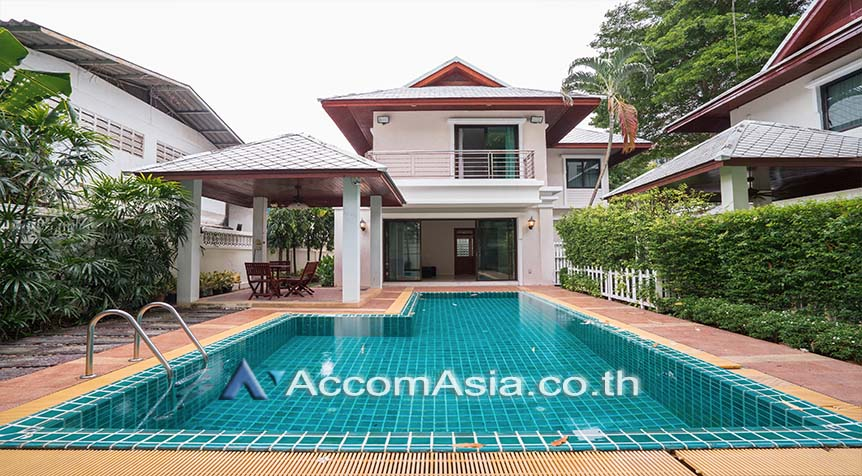 เช่าบ้านสาทร นราธิวาส : Privacy and peaceful House in Compound House 3+1 Bedroom For Rent BTS Chong Nonsi in Sathorn Bangkok