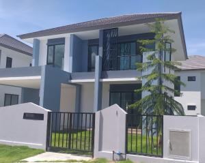 เช่าบ้านระยอง : เช่าบ้าน บ้านเช่า โครงการเวลาน่า ในสนามกอล์ฟอีสเทอร์นสตาร์ บ้านฉาง ระยอง สนามบินอู่ตะเภา ราคา 35000 bath(เจ้าของ) น้อย Tel 0988348263 house for rent velana golf house easternstar baan chang rayong u-tapao fully furnished